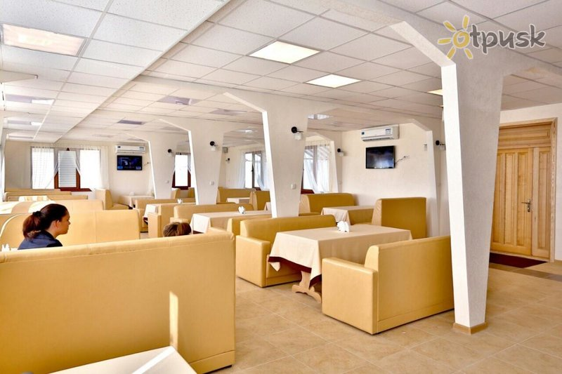 Фото отеля Кристалл 2* Грибовка Украина