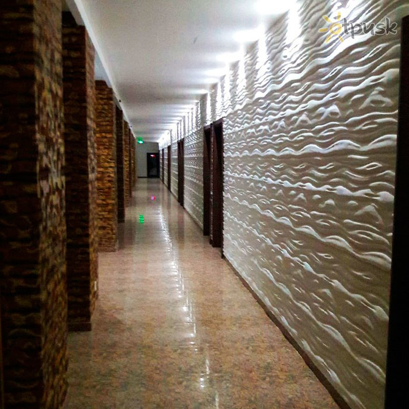 Фото отеля Ocean Queen Hotel 4* Ваддува Шри-Ланка