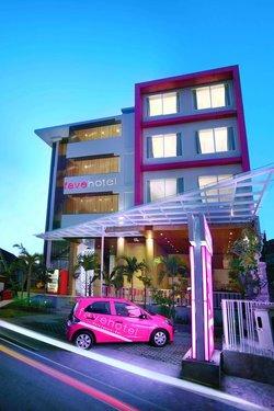 Горящий тур в favehotel Kuta Square 3☆ Индонезия, Кута (о. Бали)
