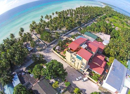 Гарячий тур в Reveries Diving Village 3☆ Мальдіви, Лааму Атол